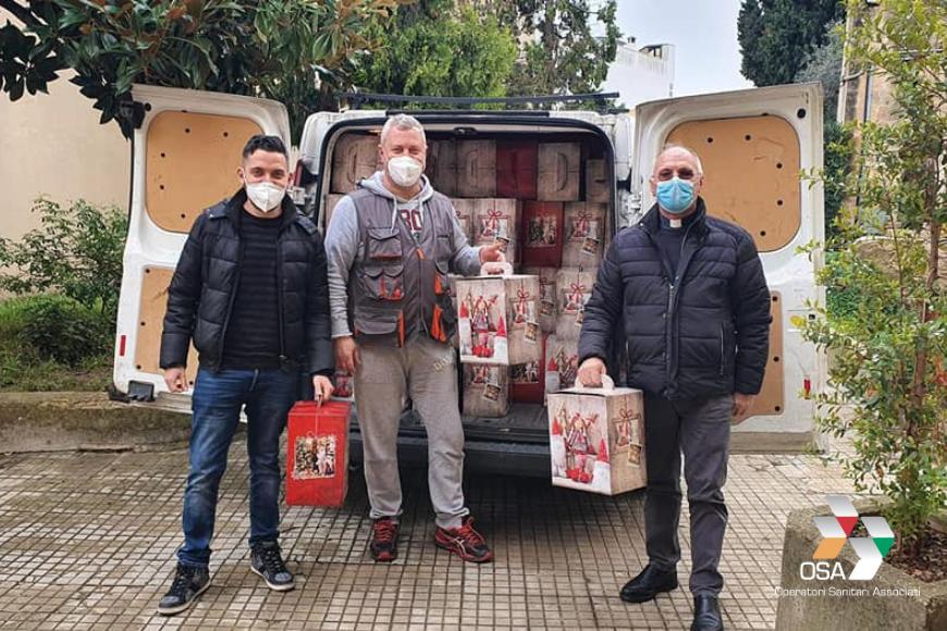 Mesagne, OSA dona oltre 200 panettoni alle famiglie bisognose